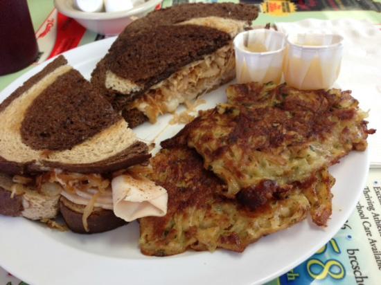 Dor-Stop Restaurant : chicken Rachel with potato pancakes