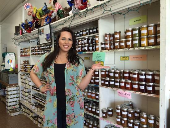 Mr. Ed's Bakery: Came back here again to buy more local jams for souvenirs. Met this wonderful gal who had such k