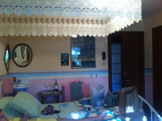 Sonoma Chalet: Sophie`s room