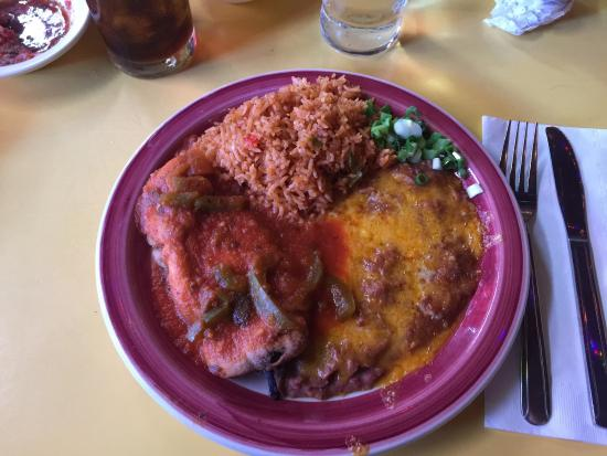 El Coyote : Chile Relleno and Street Tacos plates