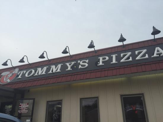 Tommy's Pizza: Independence Day Visit!!!
