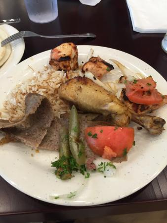 Afrah Mediterranean Restaurant and Pastries: Lunch buffet