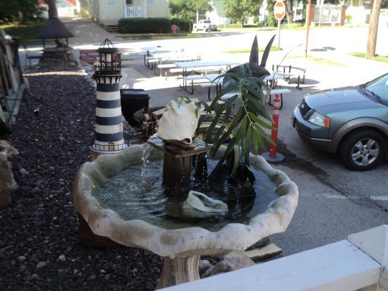Harbor Haus Inn & Suites: Summertime!