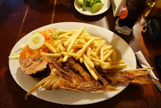 El Pirata: Whole Fish French fries