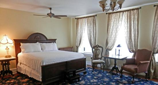 The Times House: Legacy Grand Suite with King Bed