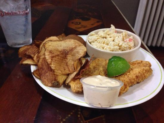 Hydro Street Brewing Company : Great fish Friday food!