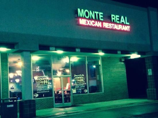 Rural Hall, Carolina del Norte: Monte Real Mexican Restaurant