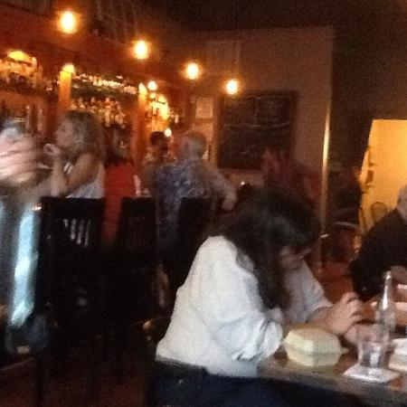 The Savory Grain: Great crowd on a Friday night at this comfortable neighborhood eatery