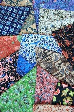 Batik Pattern Picture Of Phalam Batik And Souvenirs Denpasar Impressive Batik Pattern