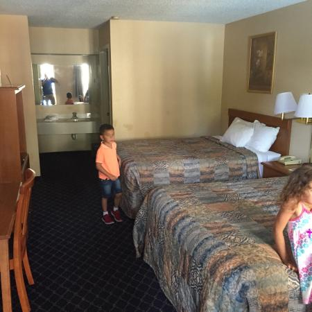 Days Inn Asheville North: photo2.jpg