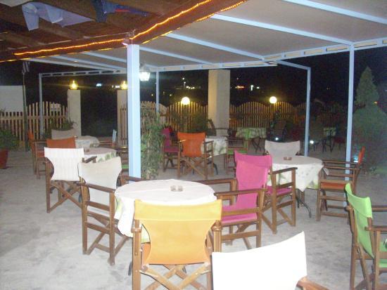 view of d & b's bar & restaurant.