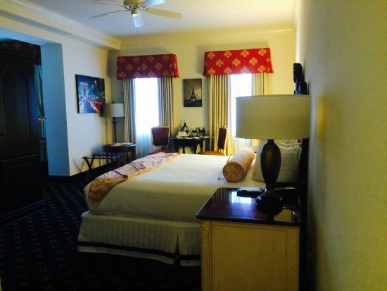 French Quarter Inn: A very spacious room!