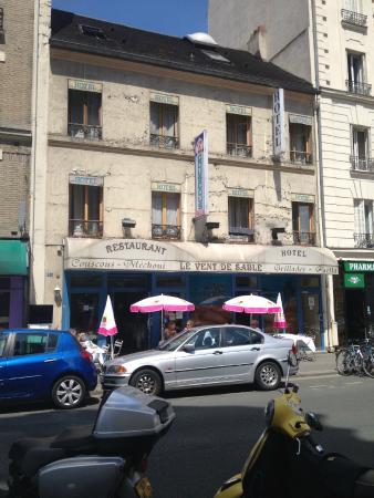 Leonard de Vinci II: la facade de l'hotel propose par booking
