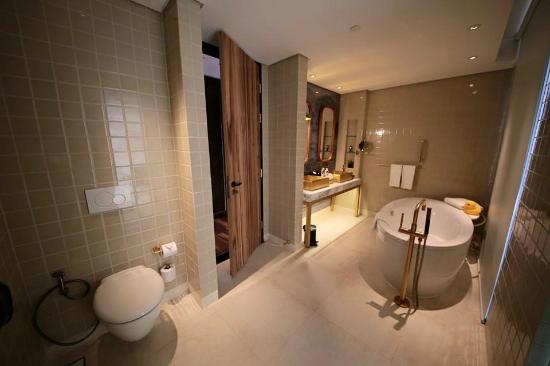 Chaiyapruek Executive Room bathroom with separate shower room with ...