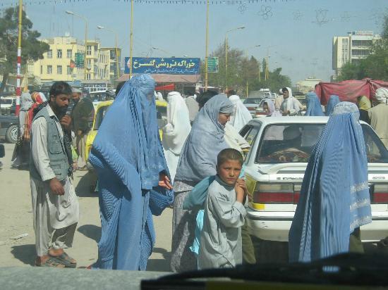 Balkh, Afghanistan: Detta tygfängelse som talibanregimen tvingade afghanska kvinnor att bära