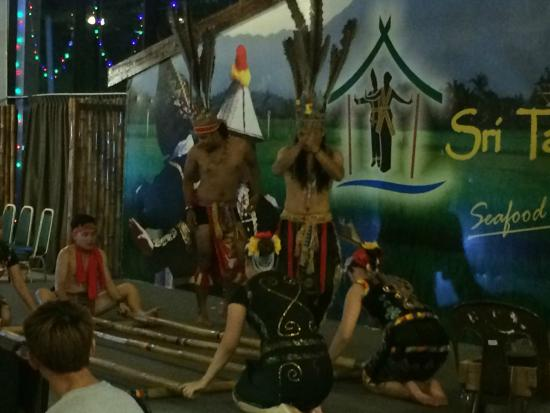 Sri Tanjung: The traditional dance performance