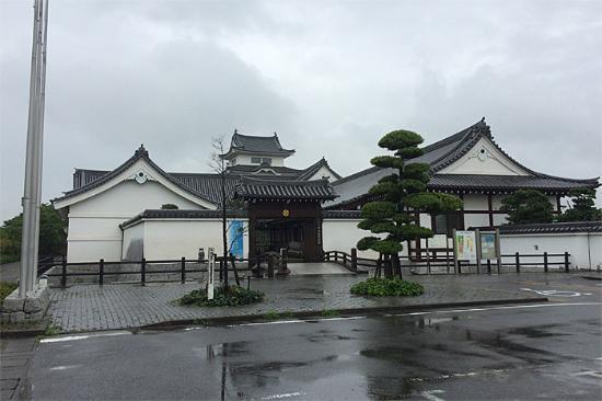 Chiba Sekiyado Castle Museum: 入口前
