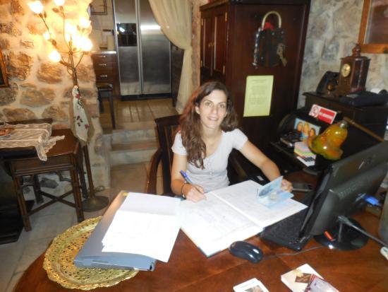 Arhontiko Kefalari : Our hostese Helen