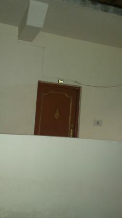 Hotel Valley View Crest: door