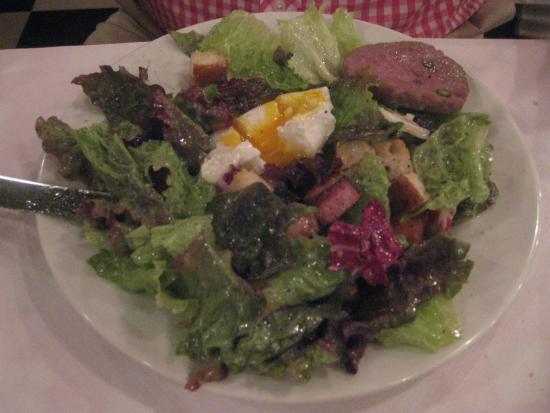Le Bouchon: Salade à la lyonnaise