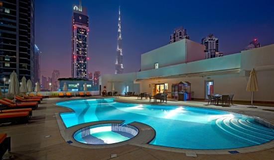 سيتي بريميير للشقق الفندقية: Outdoor Swimming Pool