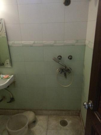Hotel Garden View: Banheiro