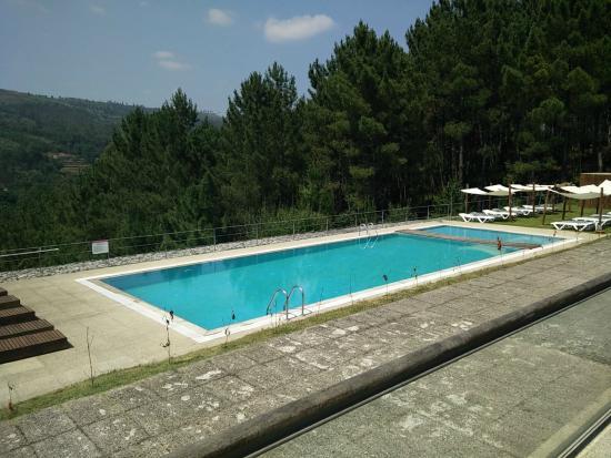 Rea da piscina fotograf a de monte prado hotel spa melgaco tripadvisor - Piscinas melgaco ...