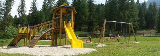 Camping Colfosco: parco giochi 1