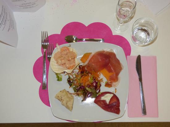Hotel Astra : La cena rosa