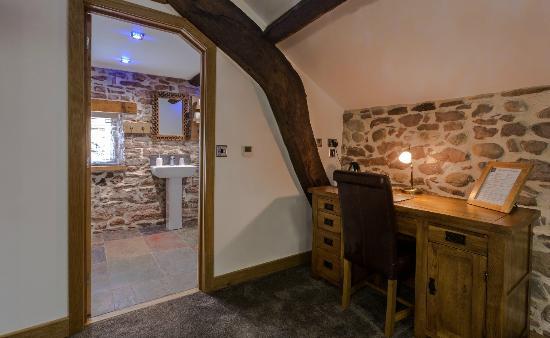 Gosforth Hall Inn: Hall deluxe bedroom