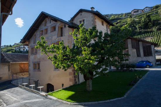 Château de Vaas, Maison des Cornalins