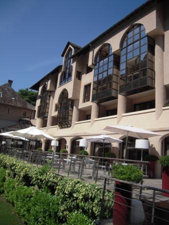 Peyreleau, Fransa: De la Muse : vue arrière de l'hôtel