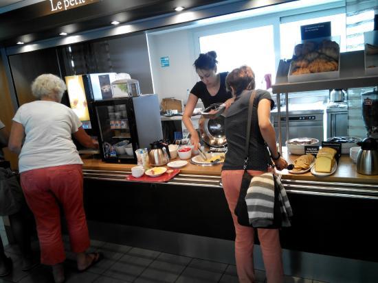 B&B Hotel Cannes La Bocca Plage : colazione
