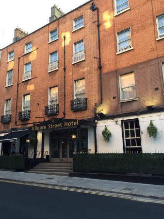 Kildare Street Hotel: Outside of Hotel