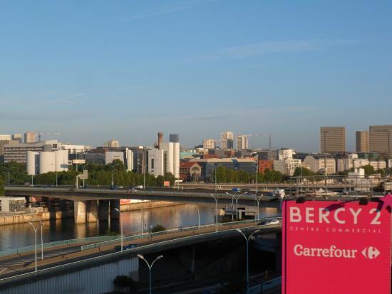 Parc de bercy bild von ibis budget paris porte de bercy - Ibis paris porte de bercy charenton le pont ...