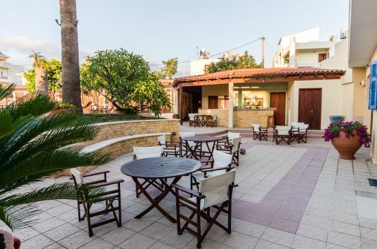 Hotel Kissamos: Breakfast area