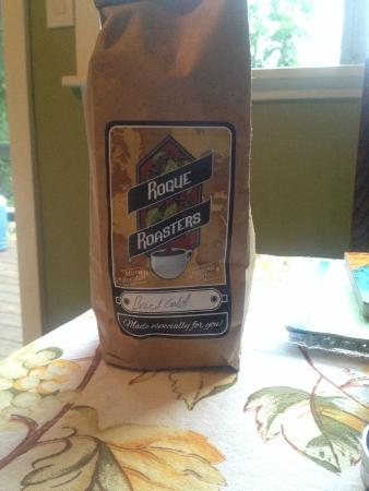 Rogue Coffee Roasters: Rogue Roasters Brazil Gold - My favorite!