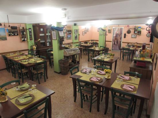 La Zinfarosa Braceria Trattoria Pizzeria: La Sala Interna