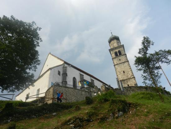 La Pieve Matrice di San Pietro in Carnia