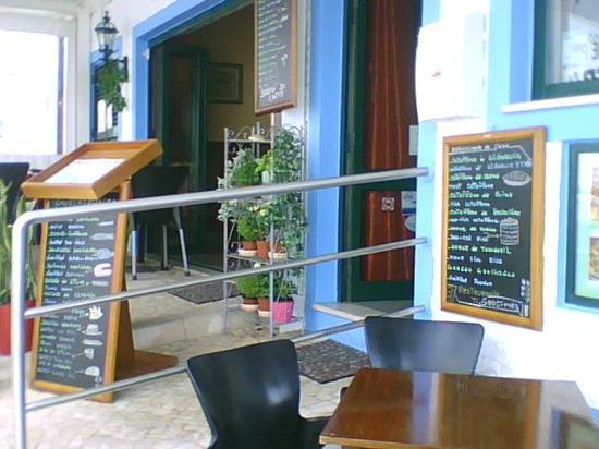 Churrasqueira Gracinda Pragosa: The menu stands outside the Churrasqueira