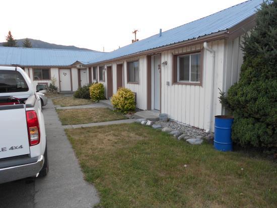 Falls Motel : Outside front