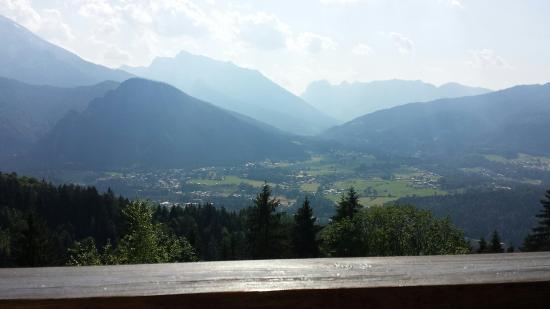 Gasthaus Café Graflhöhe Windbeutelbaron: View from the deck