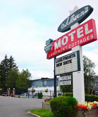 O'Sullivan's On The Lake Motel: Welcome to O'Sullivans on the Lake