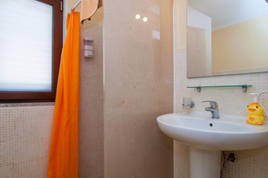 Casa di Pam: bagno camera matrimoniale terzo piano
