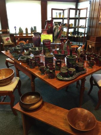 Log House Craft Gallery: Lots of pottery