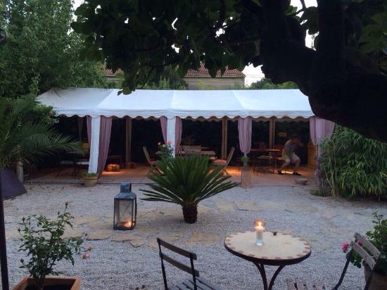 terrasse picture of restaurant beausejour les palmiers saint cyr sur mer tripadvisor. Black Bedroom Furniture Sets. Home Design Ideas