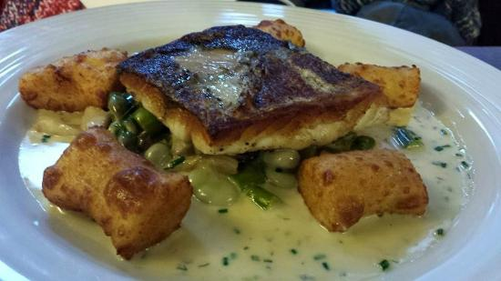 Tolcarne Inn: pan-fried hake with gnocchi