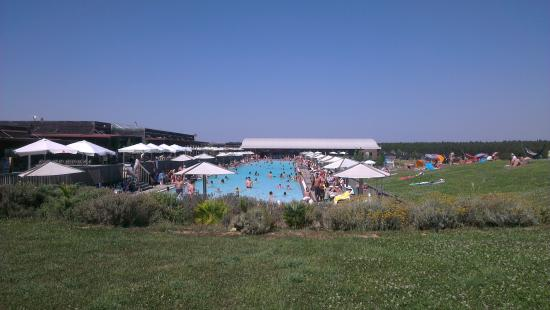 Vista do lago junto piscina picture of zmar eco for Piscina zmar