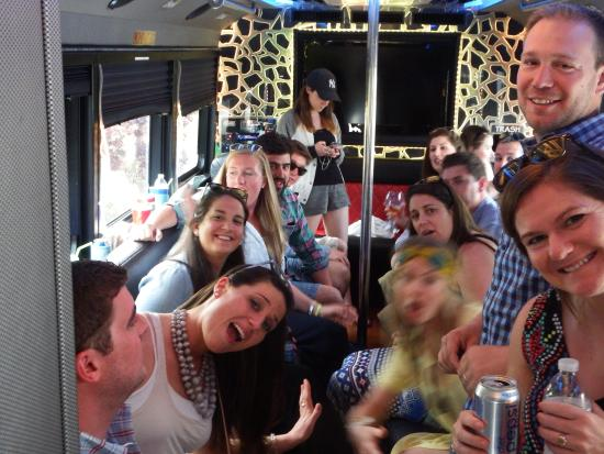 Greenport, Estado de Nueva York: Fun in the Party Bus......
