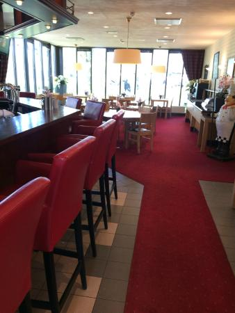 Bastion Hotel Leiden Voorschoten: Bar and dining room